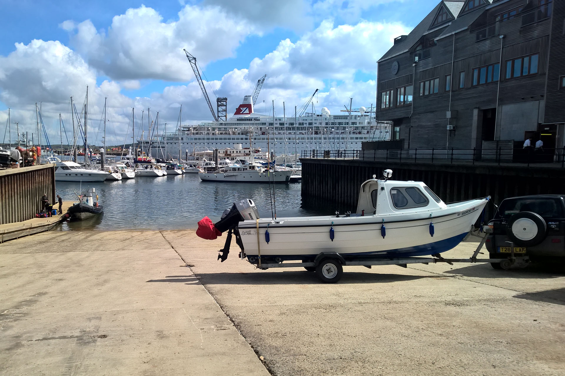 Falmouth-Haven-slipway-launch