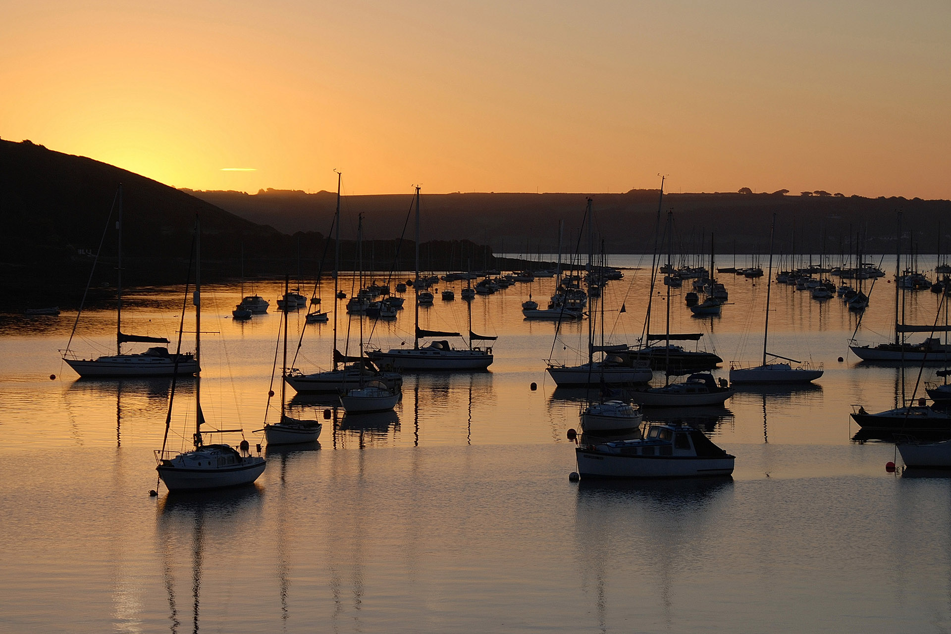 Falmouth0Haven-flushing-moorings-sunset