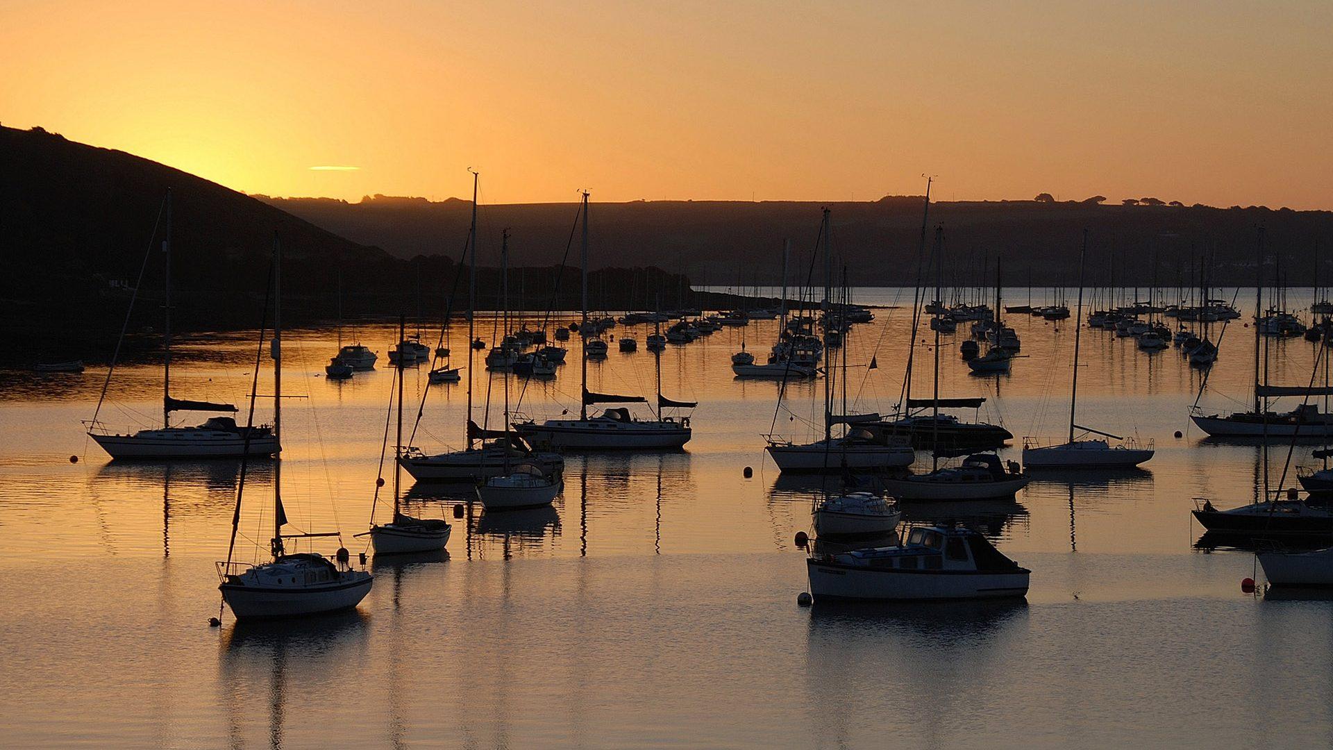 Falmouth0Haven-flushing-moorings-sunset
